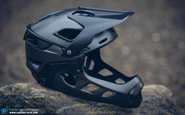 全山护盾 攻守兼备丨UVEX JAKKYL HDE 可拆卸全盔
