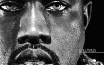 是谁让kanye west 公开落泪???