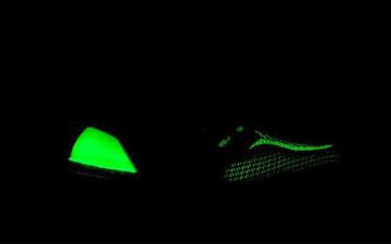 """捕捉一只暗夜幽灵! adidas Ultra Boost """"Glow in the Dark """""""